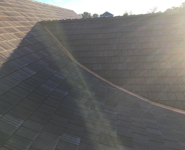 asphalt roof vs wooden roof